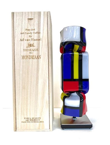 Ad van Hassel - Homage an Mondriaan
